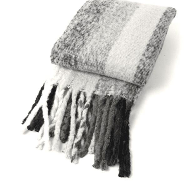 Monochrome stripe blanket scarf